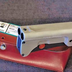 Su tamaño y formato permitía llevarla continuamente en la mano, de ser necesario, en forma disimulada y sin que otros se percaten de que es un arma.