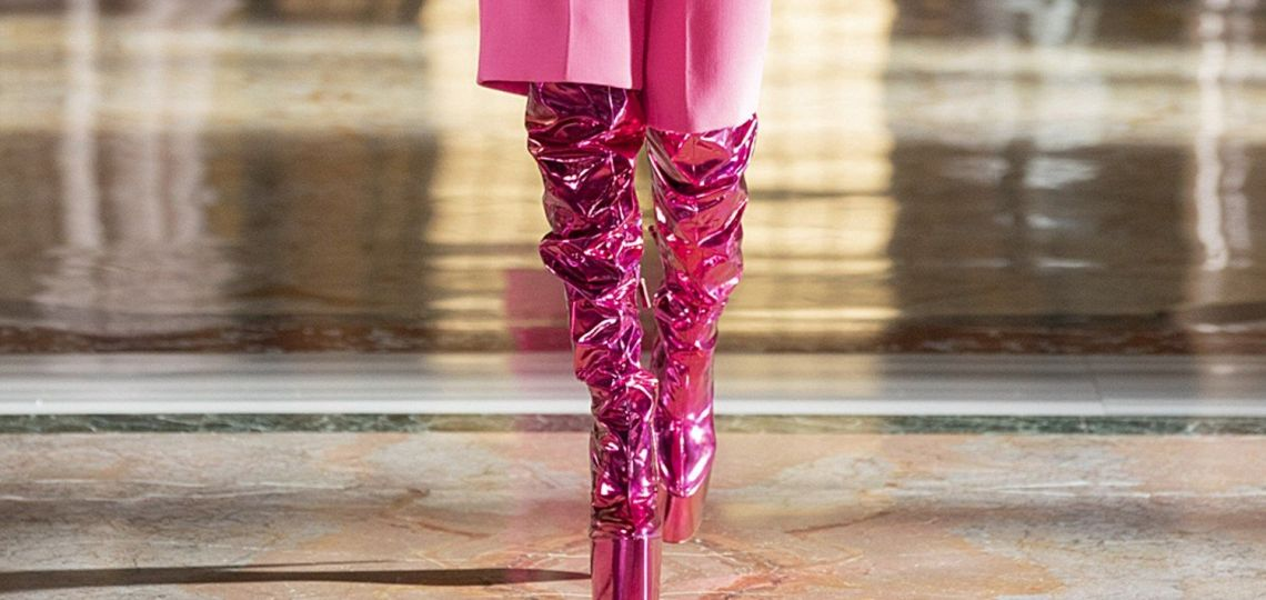 Alta Costura: Valentino presenta su nueva colección con un despliegue de color y estilo