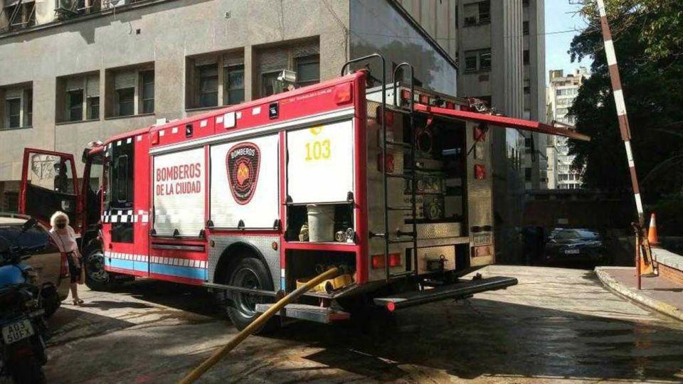 Bomberos de la Ciudad sofocaron un principio de incendio en Htal. de Clinicas