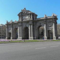 En Madrid rige el toque de queda entre las 22.00 y las 06.00 horas.
