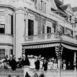 El día de su inauguración una multitud colmó las instalaciones del edificio.