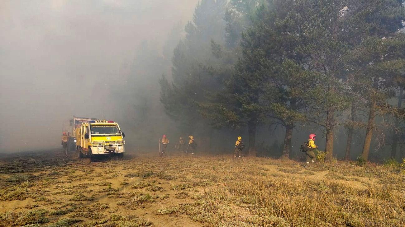 El incendio en El Bolsón ya consumió más de 10 mil hectáreas.