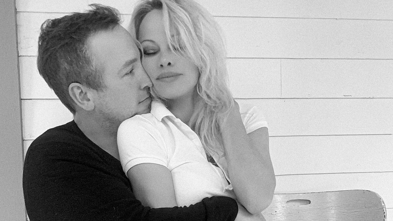 Exitoina | Pamela Anderson se casó con su guardaespaldas