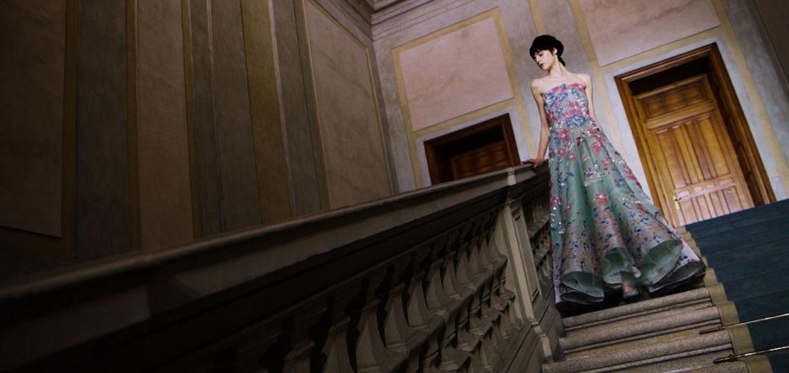 Femenina y rebelde: Así fue la colección de Armani Privé