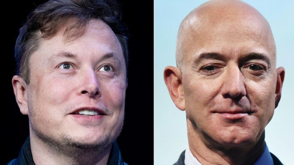 El cofundador de SpaceX, Elon Musk, junto al director ejecutivo de Amazon, Jeff Bezos.