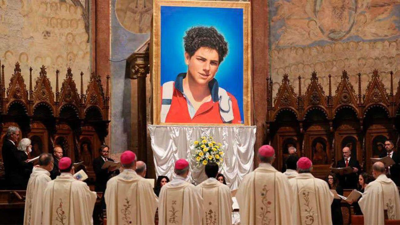 relicario del beato Carlo Acutis que está en Rosario y la trajo la Misión Fátima Argentina