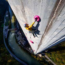 La estructura tiene 360 metros de alto y forma parte de la central eléctrica de Trbovlje, en Eslovenia.
