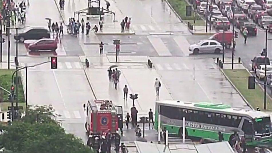 Un colectivo de la Linea 129 atropelló a un ciclista 20210128