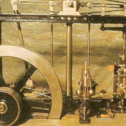 En 1769, Watt fue la primera persona en patentar la máquina de vapor como tal.