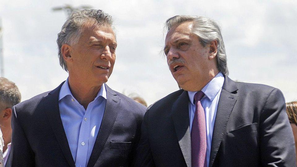 Archivo. Mauricio Macri junto a Alberto Fernández.
