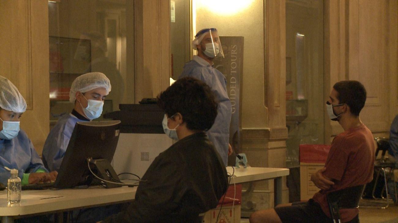 Comenzó a funcionar el operativo de testeos DetectAR en el Teatro Colón.