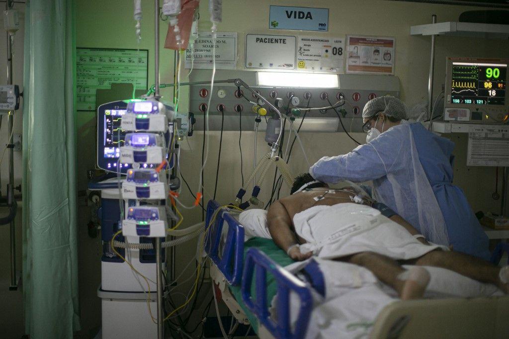 El sistema de salud de Manaos, la capital de Amazonas, colapsó a mediados de enero tras el aumento de casos de covid-19.