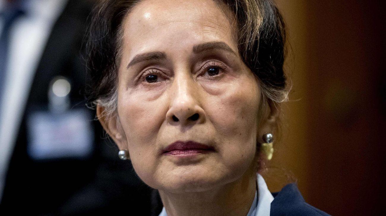 La jefa de facto del gobierno y Premio Nobel, Aung San Suu Kyi.