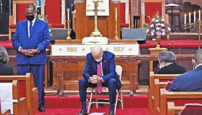 Oremos. La primera actividad formal de Joe Biden tras jurar como presidente fue asistir a misa. La oración de su inauguración la hizo un jesuita.