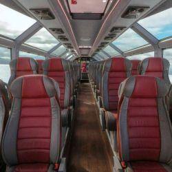 La unidad mide unos 15 metros de largo y su interior es sumamente espacioso, iluminado y cómodo.