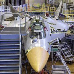 En apenas dos minutos podemos ver varias de las etapas de producción de un avión de combate.