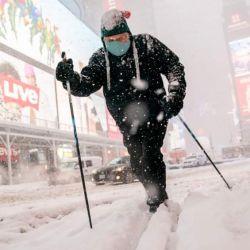 Desde las 06.00 de este martes 2 de febrero, Nueva York está en estado de emergencia por las intensas nevadas.