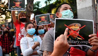 """Fantini sobre el golpe de Estado en Myanmar: """"Estamos viendo un hecho anacrónico"""""""