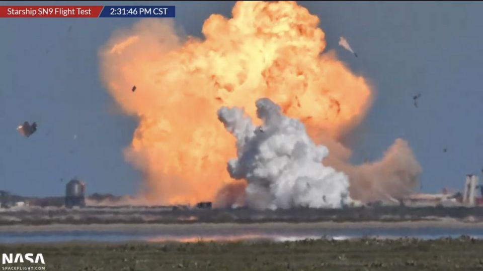 El momento de la explosión del prototipo.