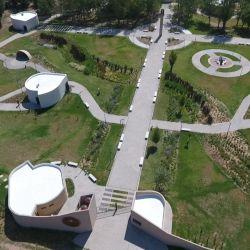 Construido en su memoria, en el Parque Temático Cura Brochero recientemente inaugurado se respira su espíritu gauchesco.