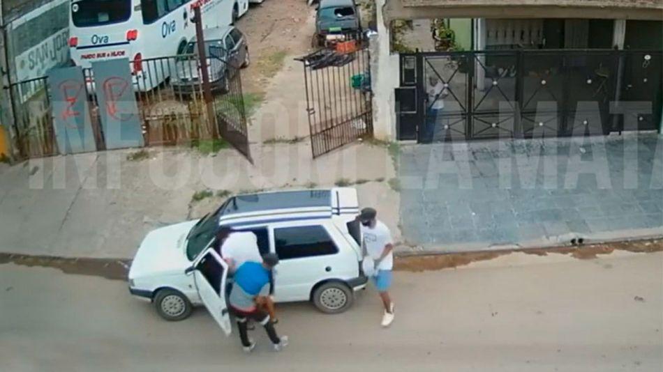 Laferrere delincuentes se robaron un auto 20210204