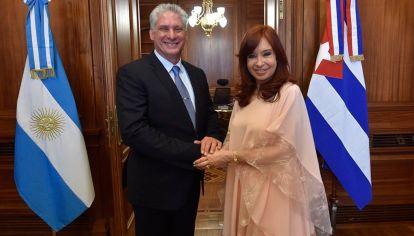 Cristina Fernández influye en las relaciones con Rusia, China y Cuba.