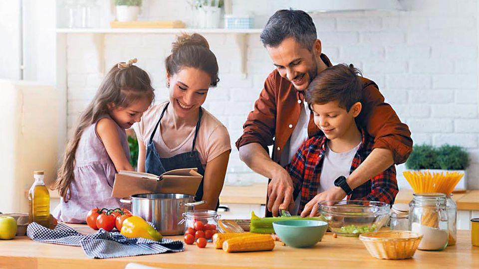 Todo vuelve. En la pandemia en muchos hogares se recuperó el hábito de cocinar.