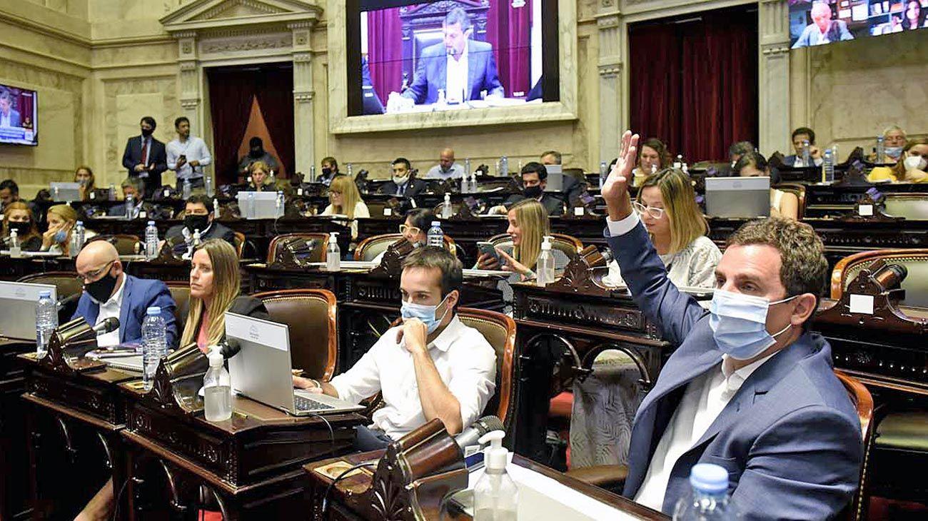 Proyectos. El ministro Martín Guzmán empuja gran parte del temario incluido por Presidencia.