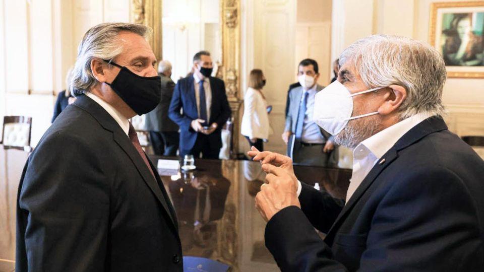 Encuentro. El martes, el Presidente recibió a los Moyano. El Gobierno quiere concretar una foto con todas las partes para fin de mes.