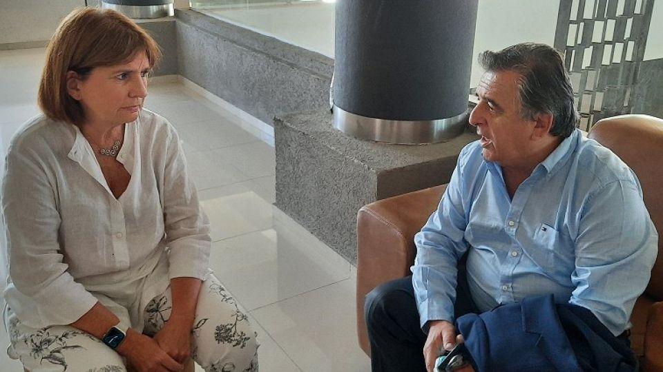 DIÁLOGO. Bullrich con Negri el viernes por la tarde en Carlos Paz.