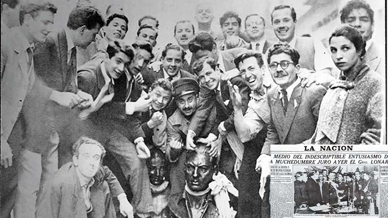"""Caída. La multitud con bustos de Perón y Evita que sacaron de la Casa Rosada en pleno festejo del derrocamiento del """"régimen peronista""""."""