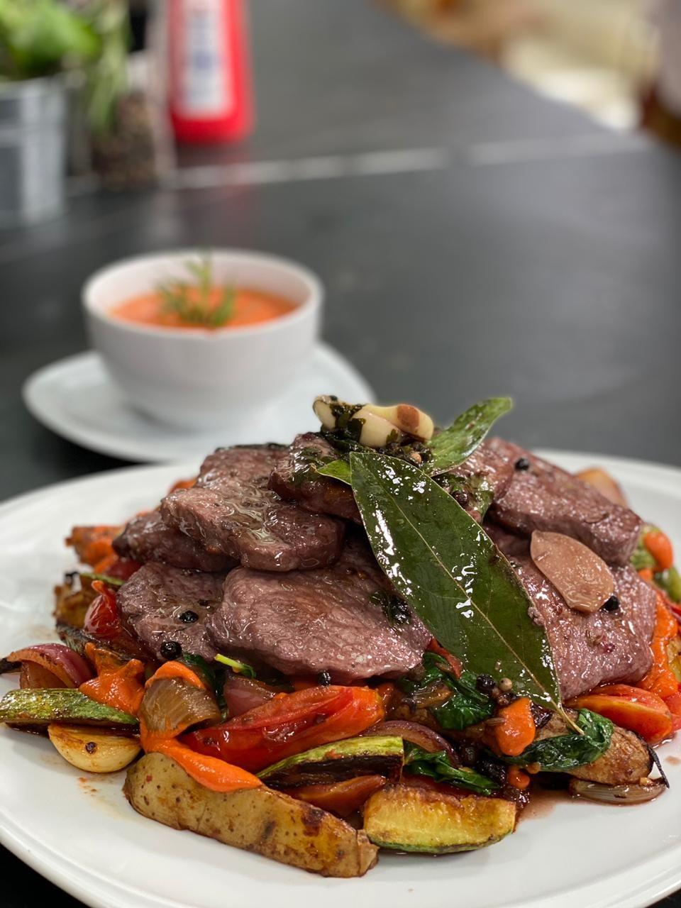 Carne especiada y otros manjares