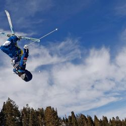 Elizabeth Lemley de los Estados Unidos realiza una carrera de entrenamiento para los Woman's Moguls durante la Copa del Mundo de Esquí Internacional Intermountain Healthcare Freestyle 2021 en Deer Valley Resort en Park City, Utah.   Foto:Gregory Shamus / Getty Images / AFP