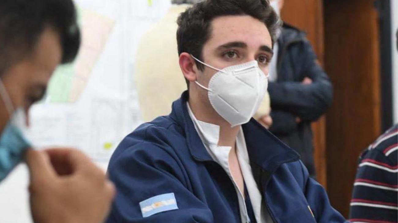 el médico trucho de 19 años que atendía enfermos de Covid-19 en Córdoba