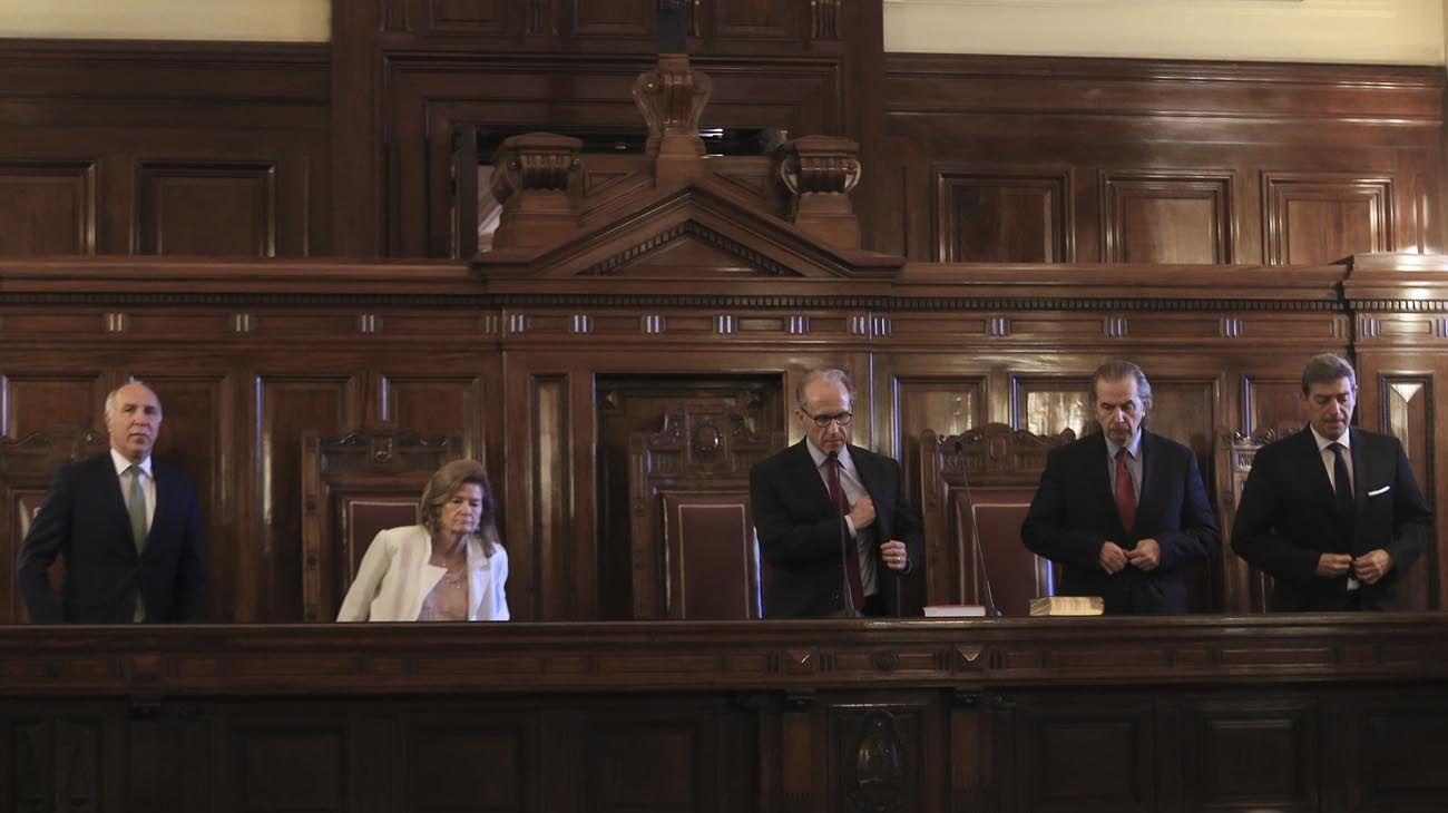 miembros de la corte
