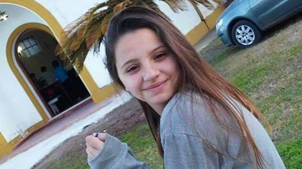 Úrsula Bahillo, de 19 años, fue asesinada a puñaladas en Rojas.