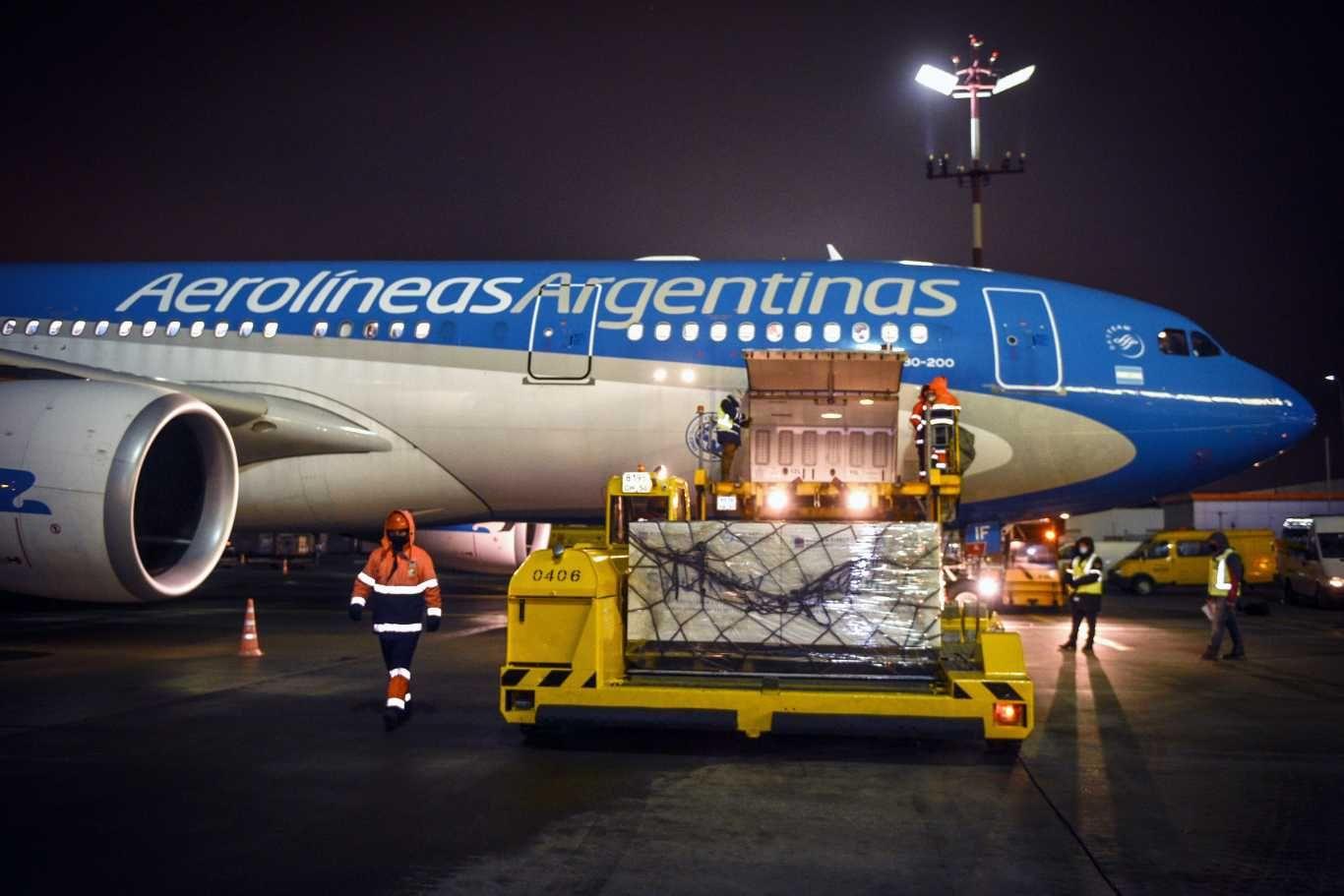 Un nuevo vuelo de Aerolíneas Argentinas partió a las 23 horashacia Moscú para traer más dosis de la vacuna Sputnik V contra el coronavirus