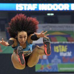 Berlín: La estadounidense Taliyah Brooks compite en el salto de longitud femenino en el encuentro internacional de atletismo cubierto ISTAF Berlín en el Mercedes Benz Arena. | Foto:Soeren Stache / dpa-Zentralbild / DPA