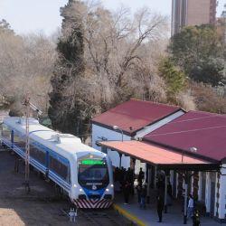 El servicio cubrirá el trayecto entre las localidades de General Roca y Senillosa.ontar con una extensión cercana a los 80 kilómetros.