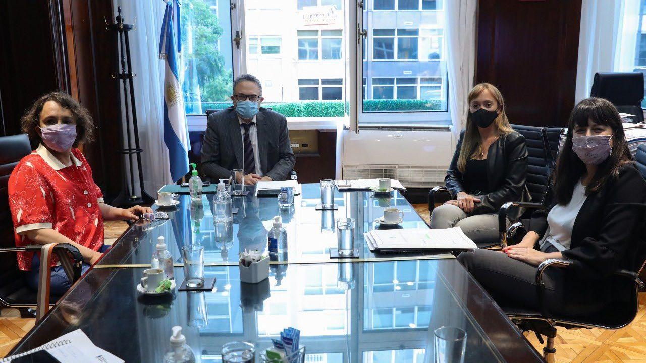 El ministro de Desarrollo Productivo se reunió con las diputadas Mara Brawer, Carolina Gaillard y la senadora Anabel Sagasti   Foto:CEDOC