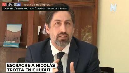 "Escrache a Trotta | ""Hay docentes a los que se le deben 3 salarios"", confirman en Chubut"