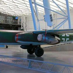 Su velocidad máxima era de 740 km/h, aunque algunas versiones llegaron a volar hasta los 900 km/h.