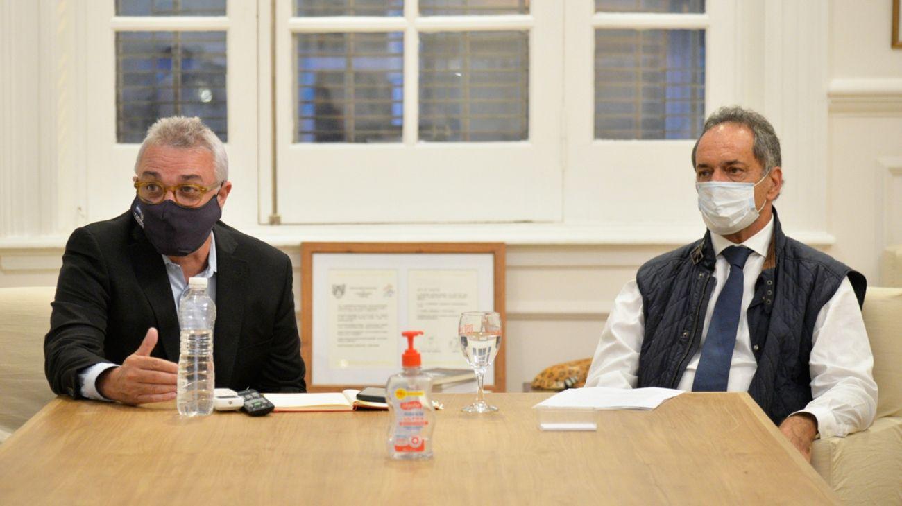 """El intendente Julio Zamora y el embajador Daniel Scioli lanzaron el programa """"Municipios que Exportan""""."""
