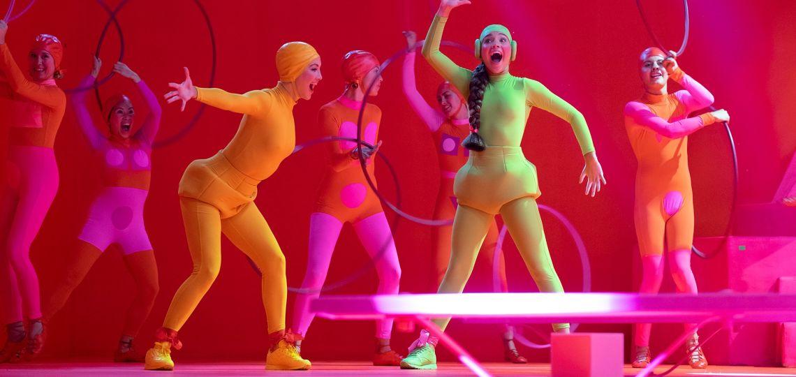 Music: así es el sorprendente debut de Sia como directora de cine