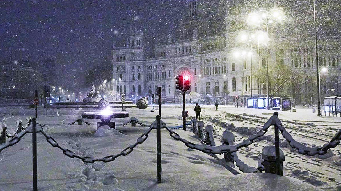 Madrid. La nevada es un foco que alumbra la situación actual.