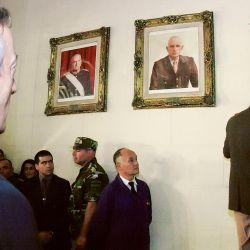 Néstor Kirchner cuando hizo bajar cuadros de Videla y Bignone en el Colegio Militar | Foto:cedoc