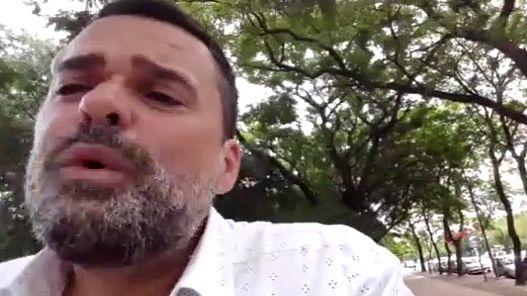 Daniel Menéndez, en la entrevista con Edi Zunino en Córdoba.