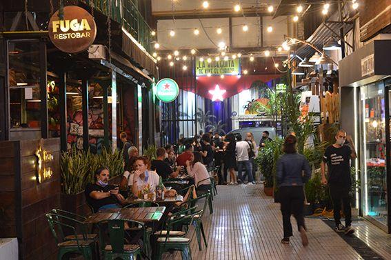 GÜEMES. Una de las zonas de la ciudad en las que los negocios gastronómicos lograron mayor volumen de ventas, pese a los protocolos.