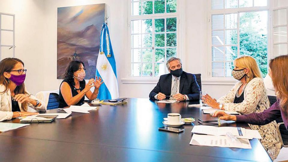 Reunión. El presidente Alberto Fernández encabezó ayer el encuentro en Olivos.