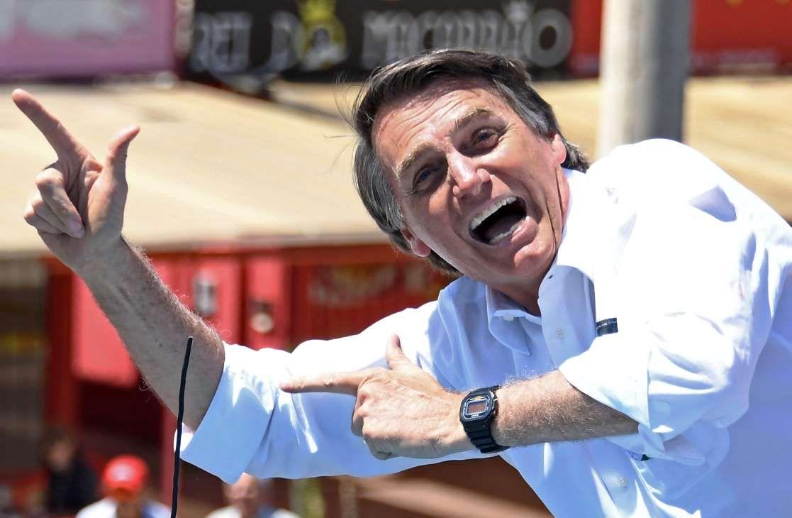 Ya en su campaña popularizó su apoyo a las armas.